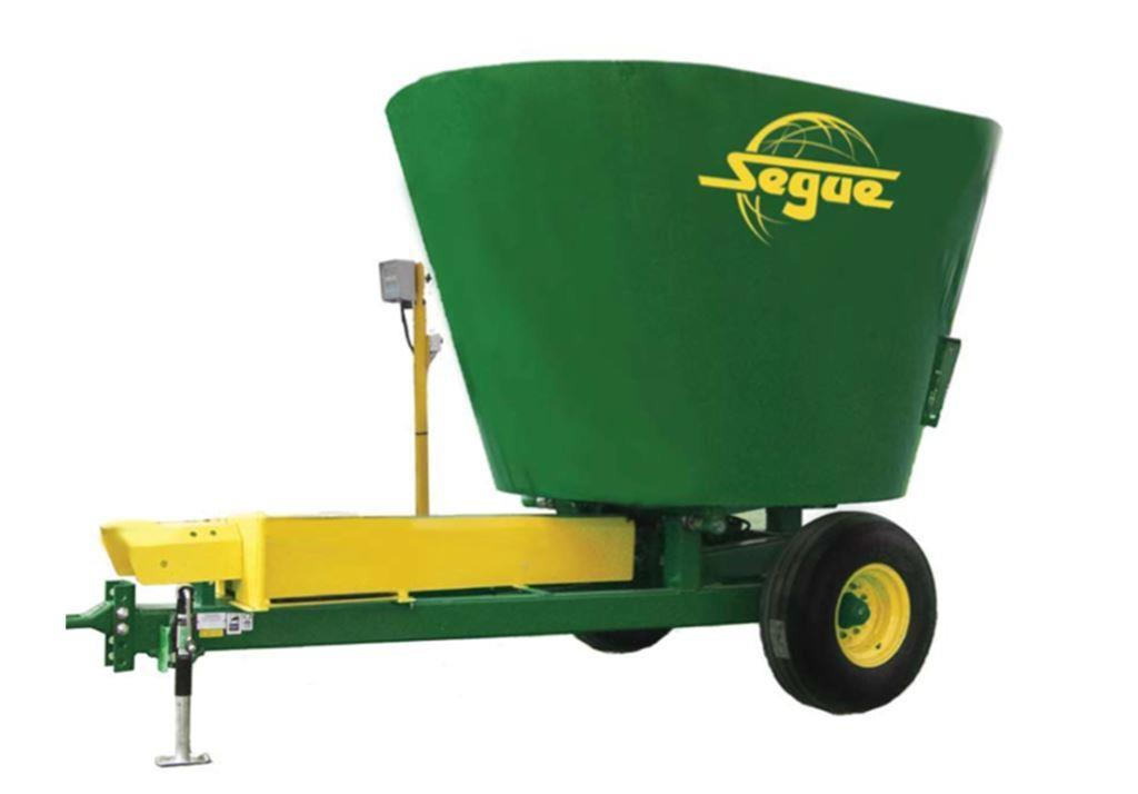 Specifications for Segue 790 cattle feed mixer wagon